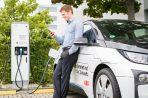 Immer mehr Schnellladesäulen für Elektroautos in Deutschland